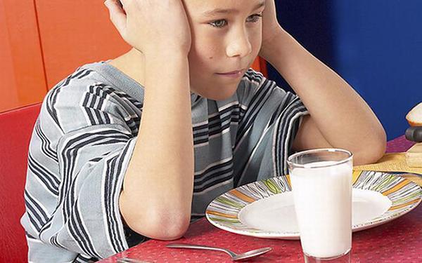 Co zamiast mleka? Czym zastąpić mleko w diecie dziecka, które nie lubi mleka lub jest na nie uczulone?